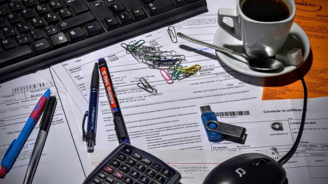 Invoicing in Hungary: e-invoice, PDF, or paper invoice?