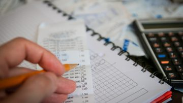 Issuing invoices in Hungary: reverse charge on VAT